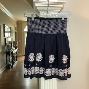 THEME- navy skirt! Pretty white stitching!